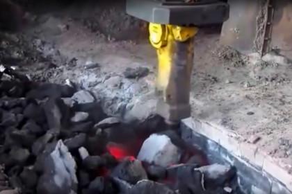 Brokk 160 SB202 ER50 Blast furnace runner cleaning