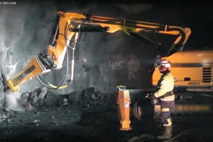 Demolizione di una parete di scavo con il Brokk 800 LKAB