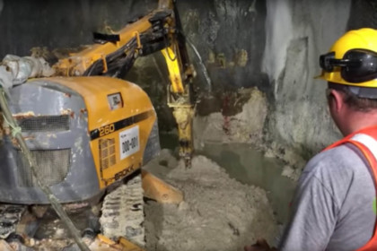 Brokk 160 B260 Drill TW260 Tunneling Cross passage