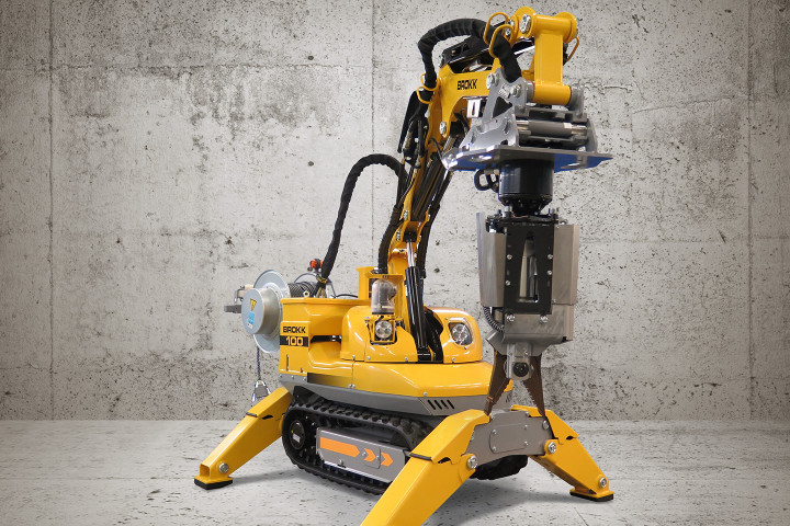 Brokk 100 with cameras and other accessories